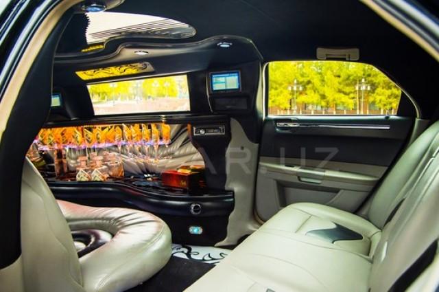 Chrysler C300, Lincoln Lincoln, Chrysler C300 rolls royce