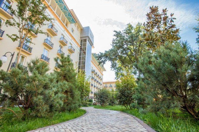 "Отель ""Tashkent Palace"""